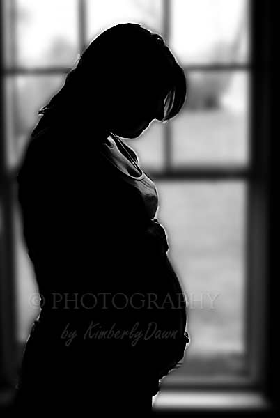 maternity picture black and white